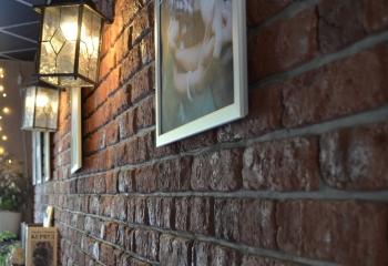Кирпич старый. Темная охра. Кофе саунд.